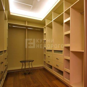 Гардеробная комната Корнинг
