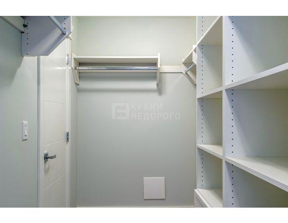 Гардеробная комната Эдина - фото 3