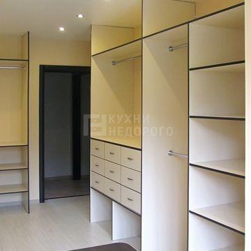 Гардеробная комната Кистон