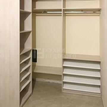 Гардеробная комната Макино