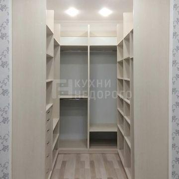Гардеробная комната Фресно