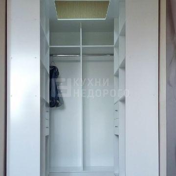 Гардеробная комната Хенриетта