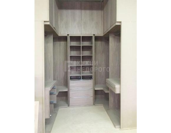 Гардеробная комната Роджерс