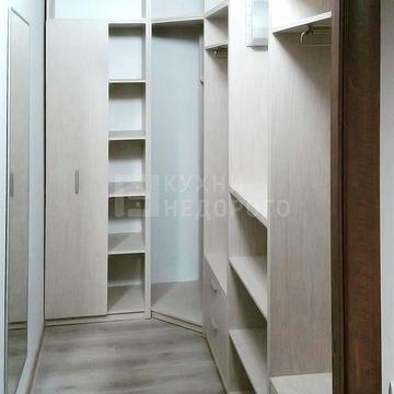 Гардеробная комната Робинс