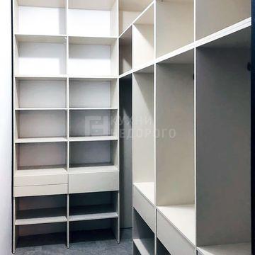 Гардеробная комната Теслин