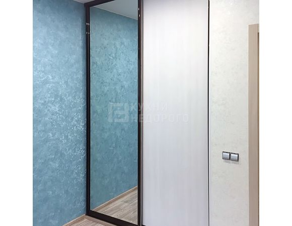 Гардеробная комната Бахта - фото 2