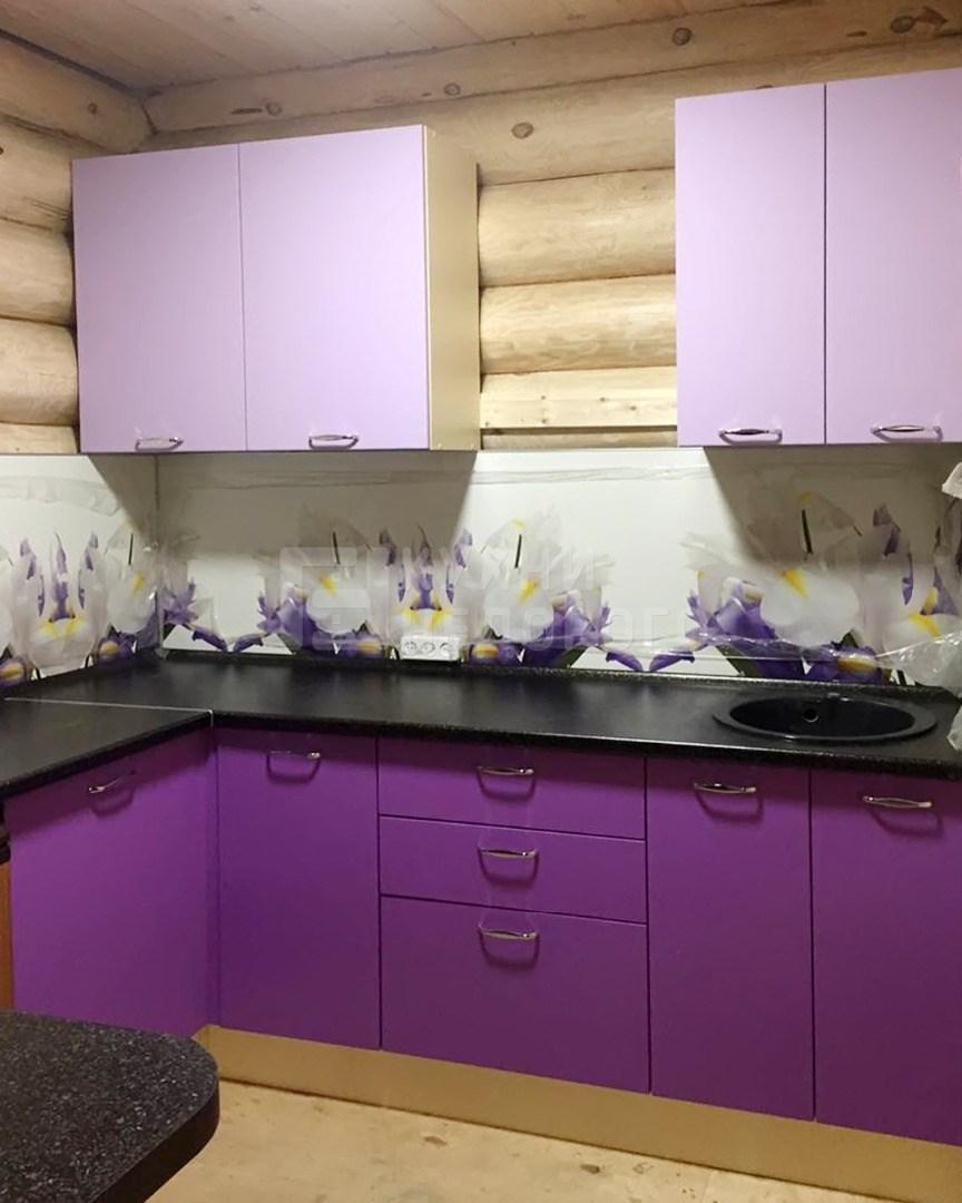 кухня слива лаванда примеры дизайн фото живут